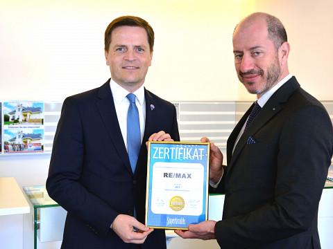 Superbrands Zertifikat an RE/MAX für herausragende Marke verliehen!