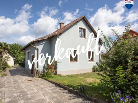 Kleines Wohnhaus – ländliches Flair, städtische Infrastruktur inklusive!
