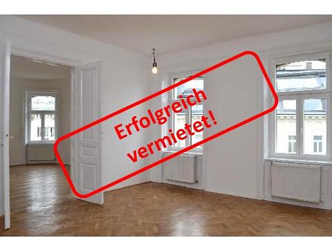 Gemütliche 3 Zimmerwohnung mit Altbauflair, Erstbezug nach Sanierung!