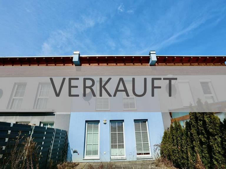 Pirka-Reihenhaus-Außenansicht - Haus in Pirka zu kaufen