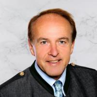 Immobilienmakler Ernst Dengg